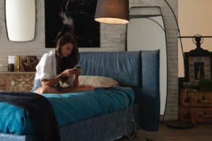 Camera da letto hi-tech: design, colori e caratteristiche