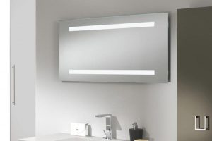 Come illuminare lo specchio del bagno in modo funzionale: 3 consigli preziosi