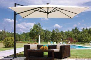 Come sfruttare la zona outdoor della casa con gazebo e ombrelloni da giardino