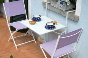Come arredare un balcone stretto e lungo: 4 idee per renderlo funzionale e bello contemporaneamente