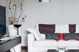 Lampade ad arco: accessori di stile per illuminare il salotto