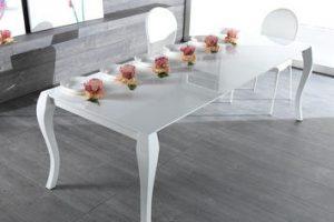 Tavoli da pranzo in legno: come unire un materiale classico al design moderno