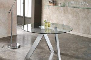 Tavoli rotondi di design: 5 soluzioni per l'interno e per l'esterno di casa