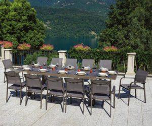 come organizzare una cena in giardino